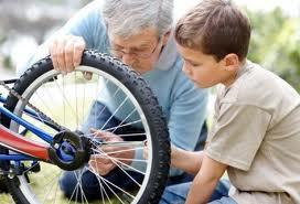 Reparando bicicleta